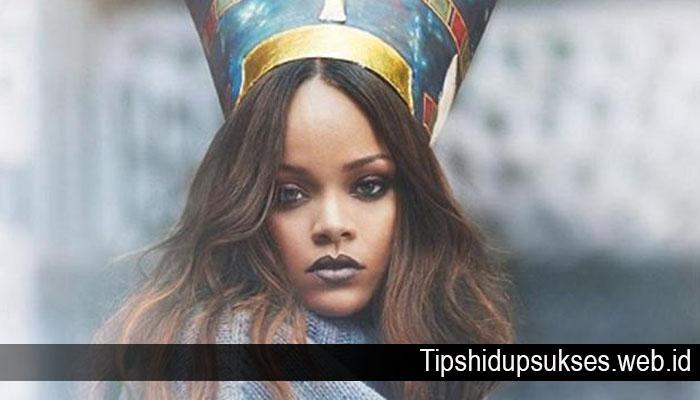 Wanita Terkaya Rihanna Berikan 9 Tips Agar Dapat Sukses